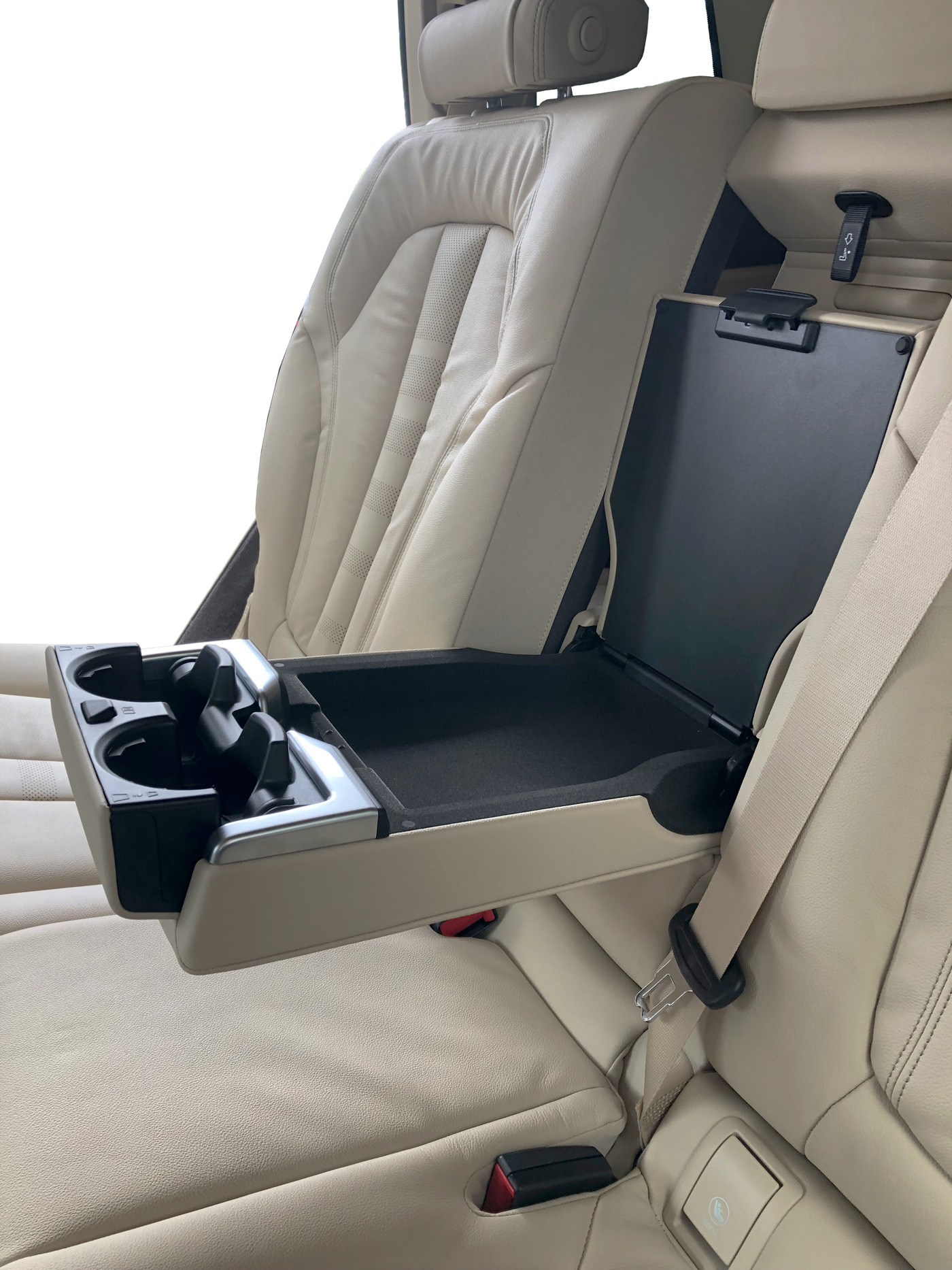2019 BMW X7 xDrive40i second row seats