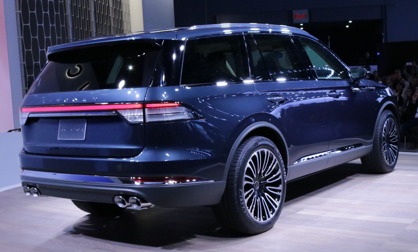 2019 Lincoln Aviator Rear Quarter NY Auto Show