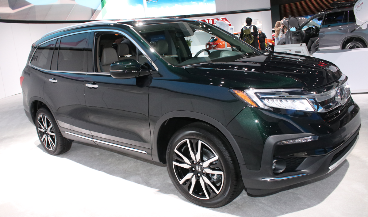2019 refreshed Honda Pilot at LA Auto Show