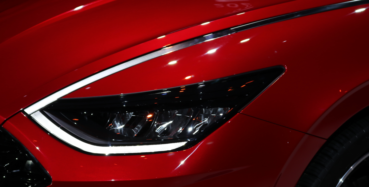 http://thecarchat.net/admin/carchat_admin/app/web/img/uploaded/2020 Hyundai Sonata Headlamp Accent