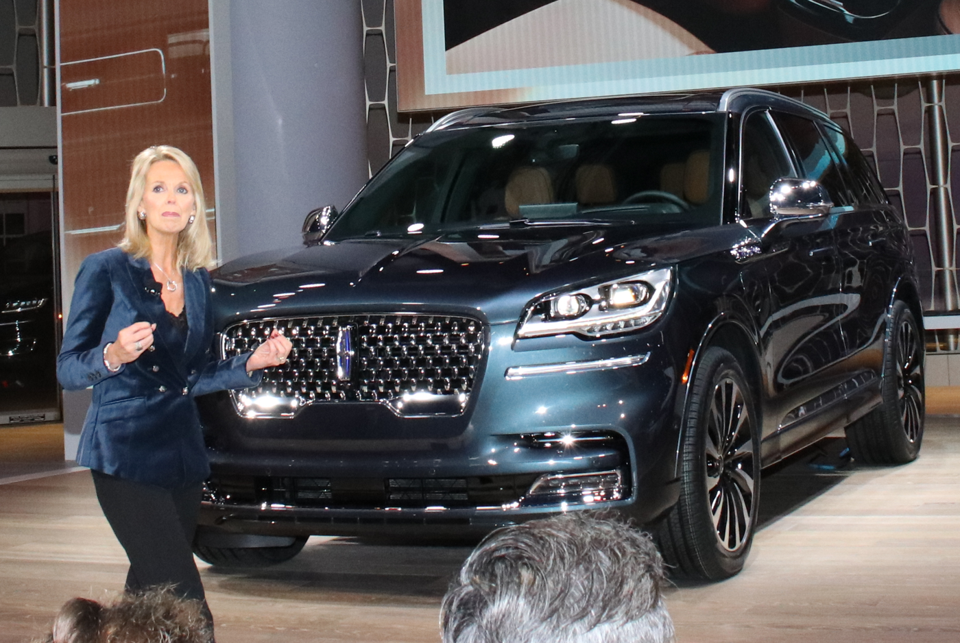 2020 Lincoln Aviator unveiled at LA Auto Show
