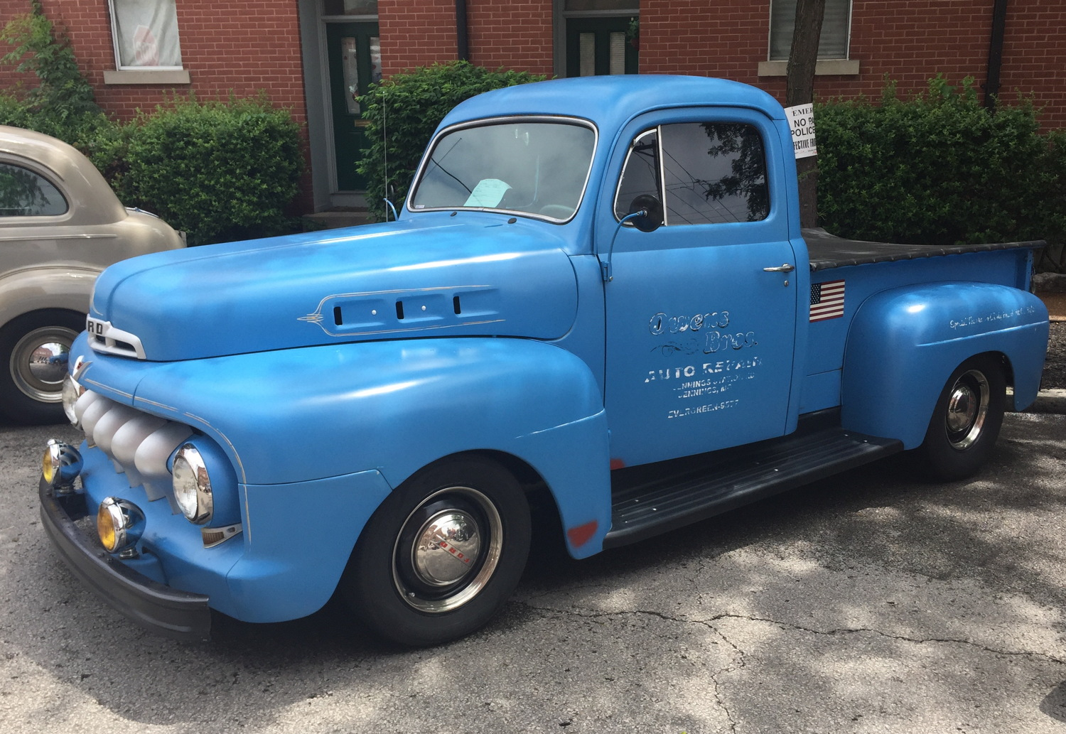1951 Ford F1 Pickup, they wouldn't become F-100 for a few more years. 1st generation not to be built on Ford car chassis.