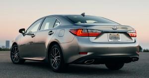 2016 Lexus ES 350 Rear